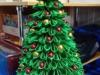 елка из лепестков канзаши