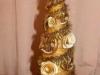 елка украшенная сушеной коркой мандарина