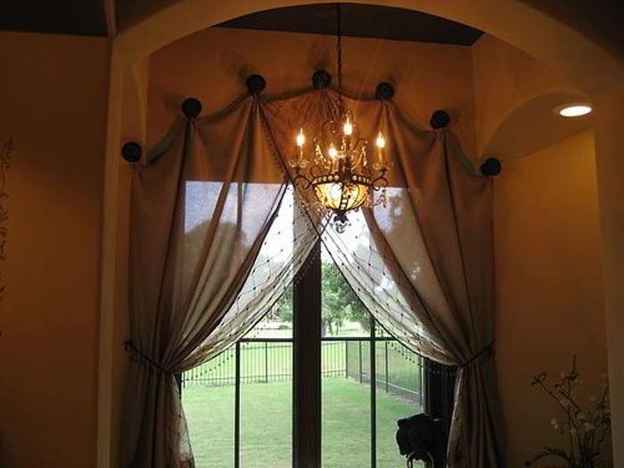 штора на арочное окно своими руками